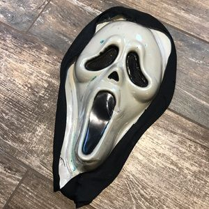 Other - Adult scream mask and hooded robe costume OSFM